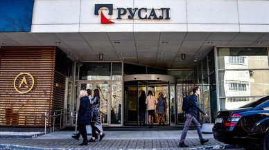 El rublo se desploma y caen las bolsas rusas debido a las nuevas sanciones de EEUU