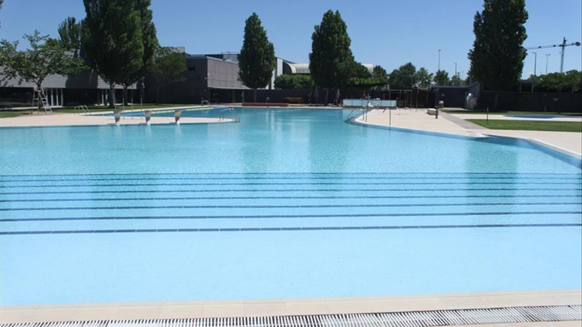 Un ni o de 6 a os muere ahogado en las piscinas de t rrega for Piscinas municipales barcelona