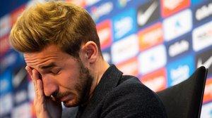 Sergi Samper, emocionado en un momento del acto de despedida como jugador del Barça.