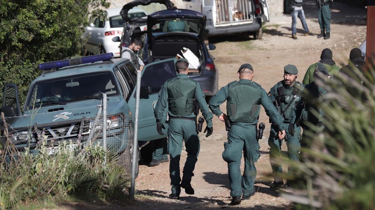 Agentes de la Guardia Civil en una operación policial en Cádiz.
