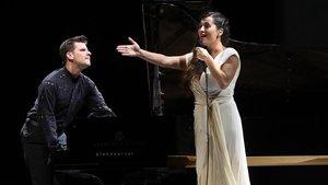 La cantante Sílvia Pérez Cruz y el pianista Marco Mezquida, en su recital en Cap Roig.