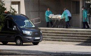 Catalunya torna a registrar la mateixa mortaldat per Covid que a finals de maig