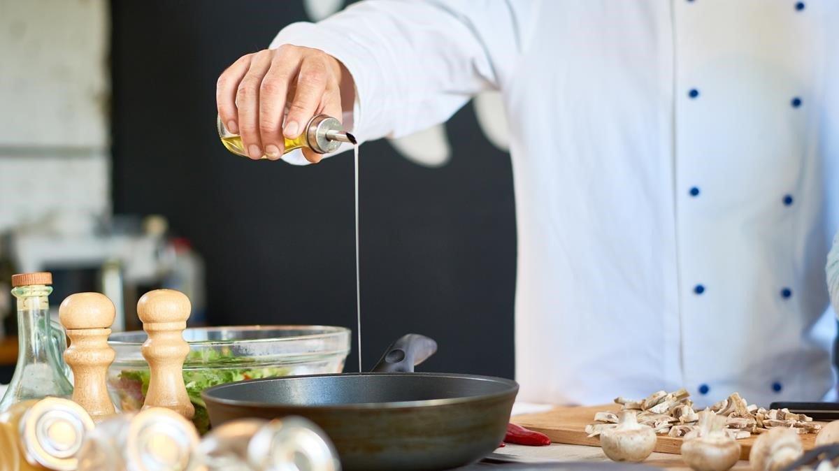 Los restaurantes envían a EL PERIÓDICO sus propuestas de comida a domicilio