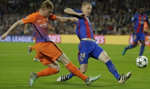 jdomenech35966211 barcelona s jeremy mathieu fights for the ball against manch161026114640