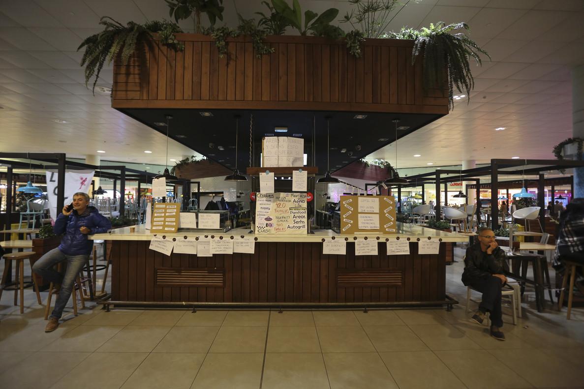 Cafés y restaurantes del aeropuerto de Barcelona, 24 días en huelga