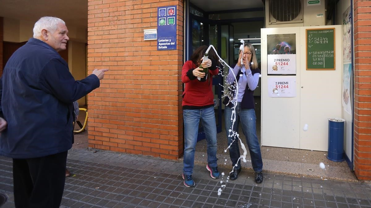 La administración núm 242 en la calle Concepción Arenal, de Barcelona.ha entregado el segundo premio.