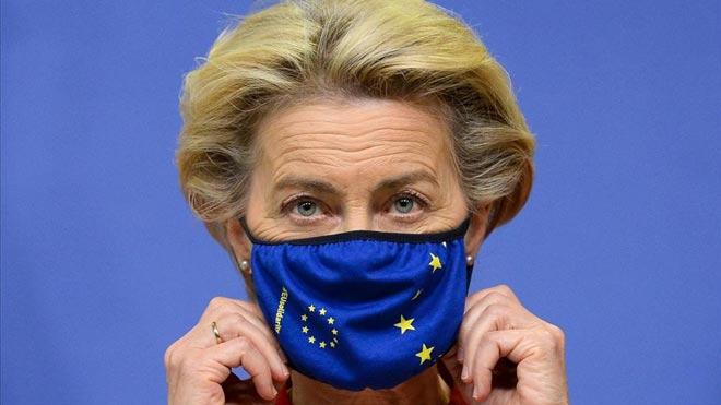 Bruselas expedienta al Reino Unido por romper el acuerdo del Brexit. En la foto, la presidenta de la Comisión Europea, Ursula von der Leyen, este jueves en Bruselas.