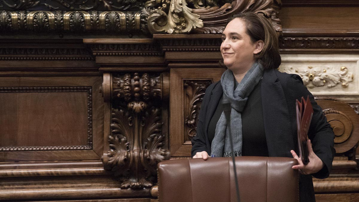 Colau descarta un gobierno de coalición con ERC que ni siquiera se plantea