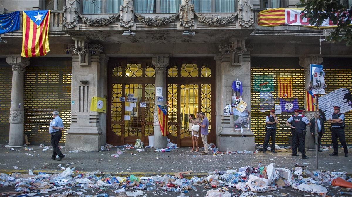 La Conselleria de Economia de la Generalitat despues de la salida de los miembros de la Guardia Civil