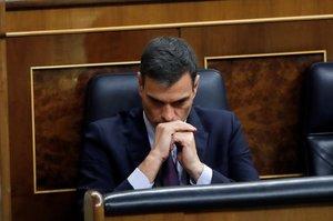 GRAF6280. MADRID, 12/02/2019.- El presidente del Gobierno, Pedro Sánchez, durante el debate de totalidad de los presupuestos este martes en el pleno del Congreso. EFE/Juan Carlos Hidalgo