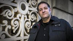 El dibujante y humorista gráfico Manel Fontdevila, que publica nuevas aventuras de la serie La parejita.