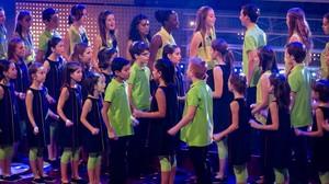 Las corales infantiles participantes en el especial del concurso Oh happy day (TV-3).
