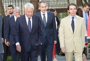 Los expresidentes del Gobierno González, Zapatero y Aznar.