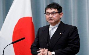 Katsuyuki Kawai, deja el cargo de ministro de Justicia de Japón.