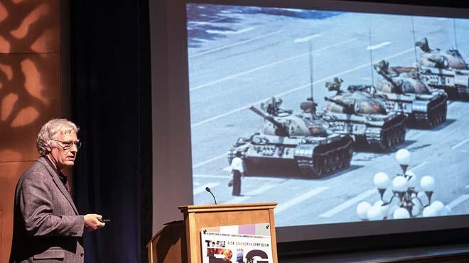 Jeff Widener, autor de la famosa foto del Hombre del tanque tras la masacre de Tiananmen, explica la historia de la icónica imagen.