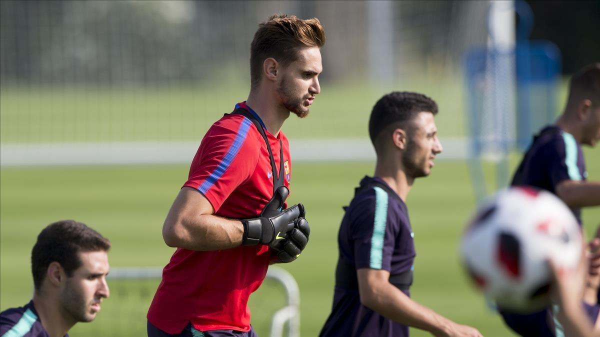 Jokin Ezkieta, en un entrenamiento con el filial azulgrana.