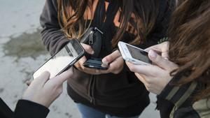 WhatsApp ja està prohibit per a menors de 16 anys