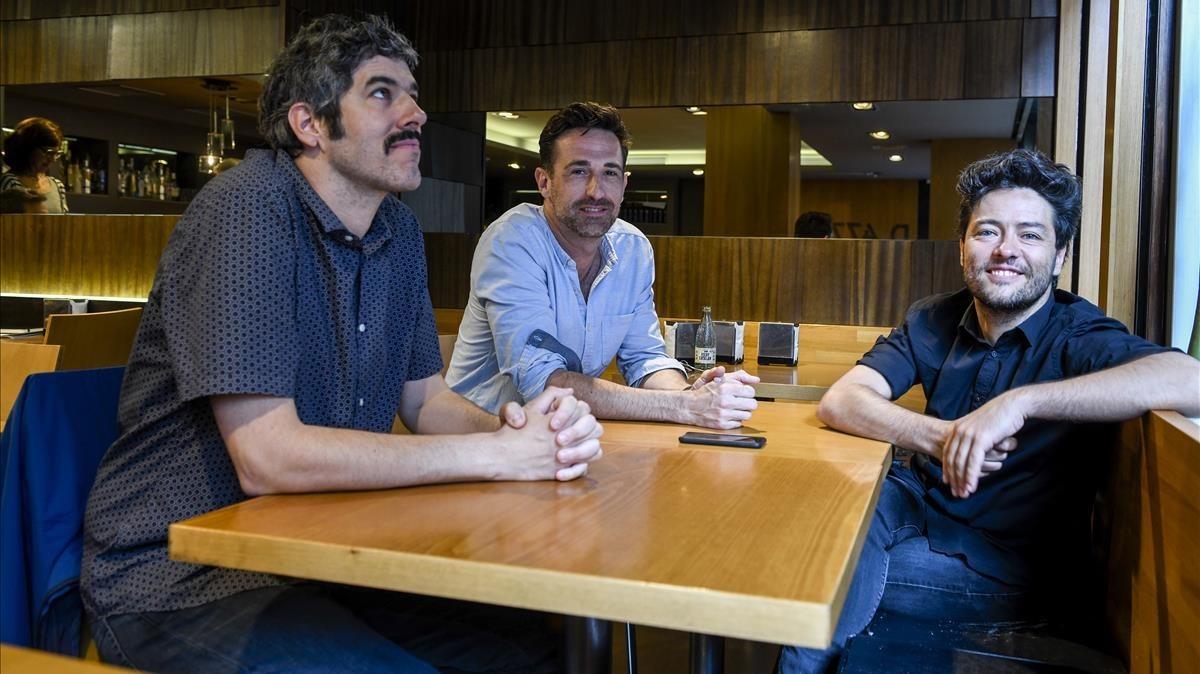 El montador Jaume Martí, el técnico de sonido Oriol Tarragó y el también montador Bernat Viaplana, este martes en Barcelona