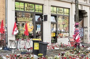 Muestras de solidaridad en el kebab atacado el pasado 9 de octubre en Halle (Alemania).