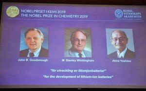 Los investigadores Goodenough, Whittingham y Yoshino, ganadores del Nobel de Química 2019