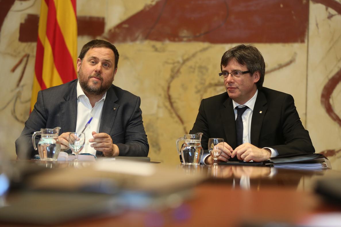 Oriol Junqueras y Carles Puigdemont, en la reunióndel Govern.