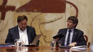 Oriol Junqueras y Carles Puigdemont, en una reunión del Consell Executiu.