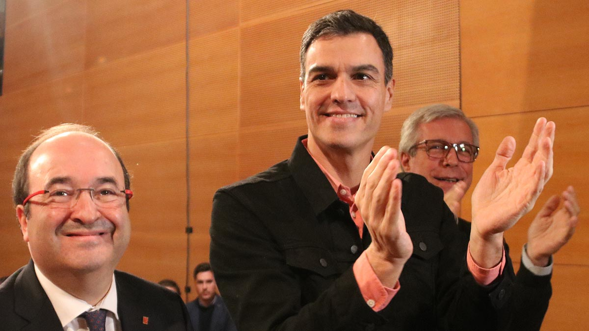 El secretario general del PSOE, Pedro Sánchez,con Iceta en uel actode campaña en Tarragona.