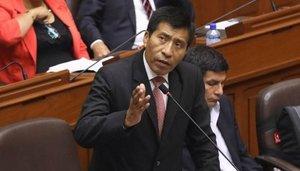 El congresista del partido fujimorista Fuerza Popular, Moisés Mamani fue suspendido por el Congreso por 120 días par ainvestigar el escándalo sexual. Reuters