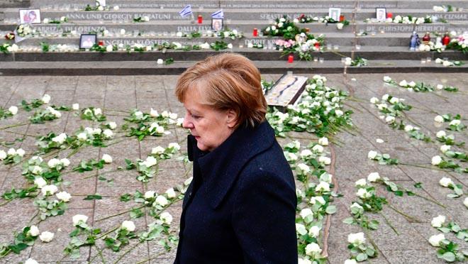 Merkel en erimer aniversario del atentado en el mercadillo navideño de Berlín