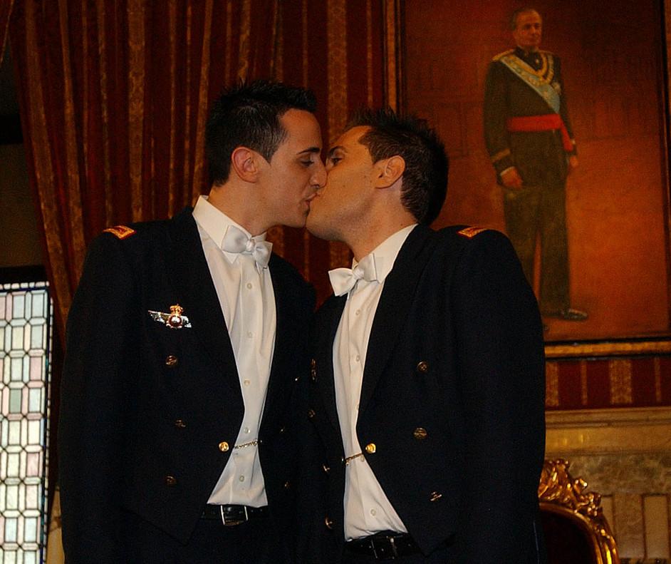 Matrimonio gay en españa o periodicos