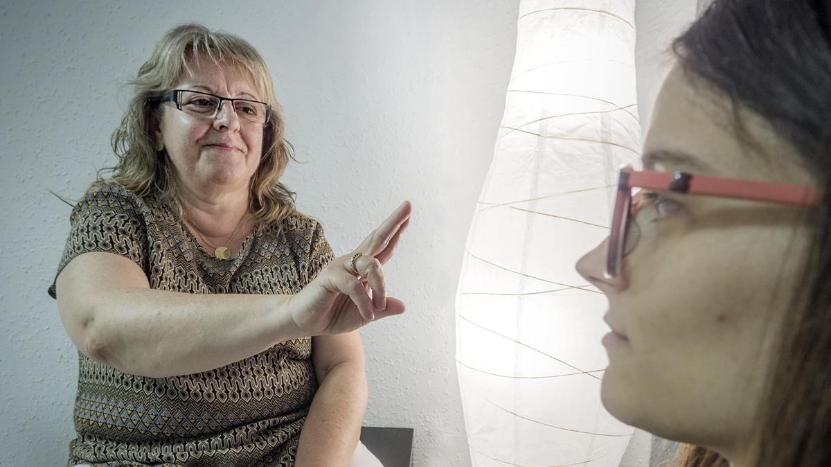La psicoterapeuta Dolors Capellades, especializada en la técnica EMDR.