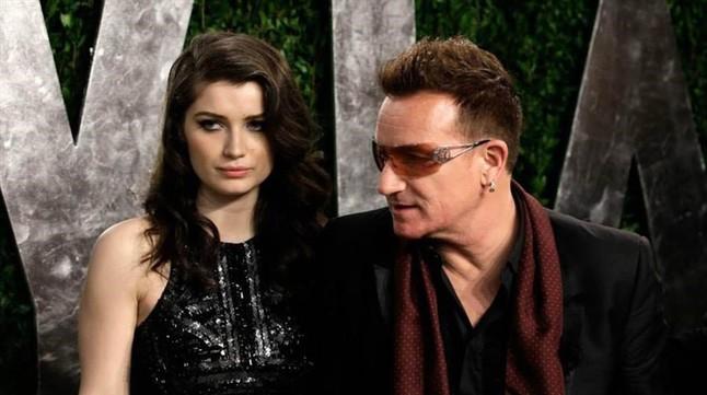 Eve Hewson con su padre, el vocalista de U2, durante la fiesta de Vanity Fair, que tuvo lugar después de los Oscar en febrero del 2015.