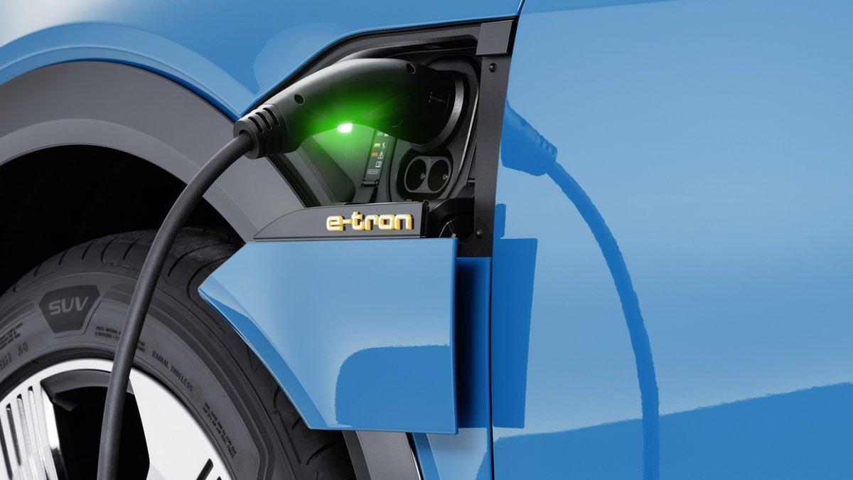 Recarga nuevo Audi e-Tron.
