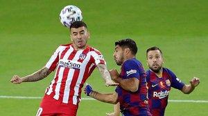 Aquest diumenge Luis Suárez serà operat d'una lesió al genoll dret