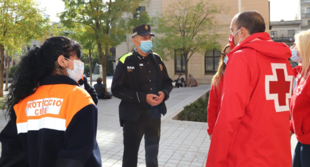 Policía, Protección Civil y Cruz Roja