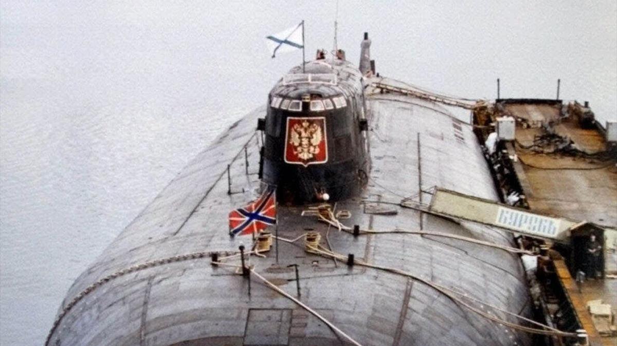 El submarinoKursk en la base naval rusa deVidyayevo en el año 2000.