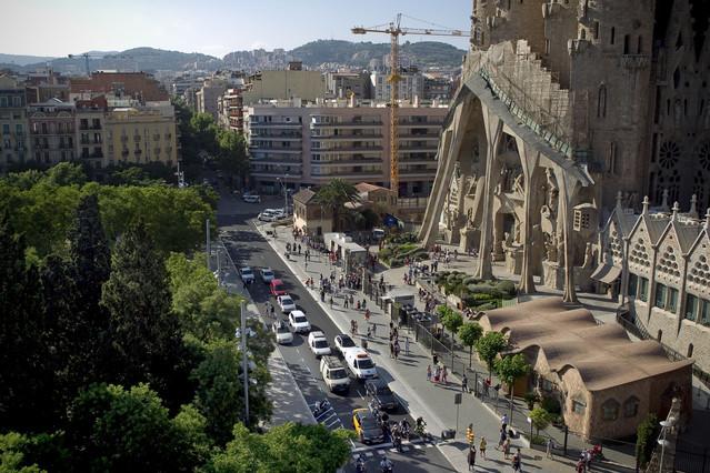 Vista aérea, ayer, de la Sagrada Família desde la calle de Sardenya.