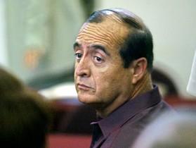 Vladimiro Montesinos, convertido en El Doctor en la novela de Mario Vargas Llosa, durante su juicio en el 2004.