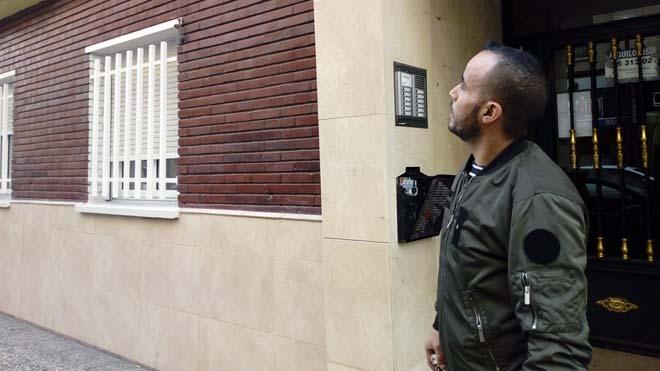 Un jove marroquí s'enfila per un edifici per salvar una dona maltractada a Saragossa