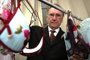 Mor Andrés Sardá, el dissenyador català que va revolucionar la roba interior