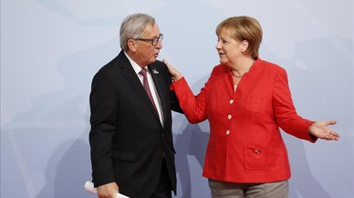 Merkel y Juncker tratan sobre la crisis catalana en una conversación telefónica