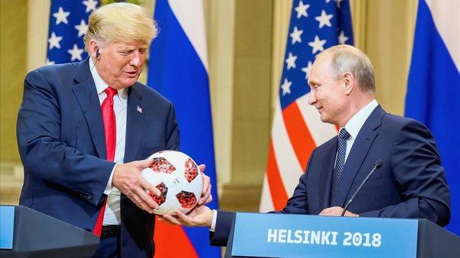 Trump afirma que els EUA es retiren d'un pacte nuclear amb Rússia
