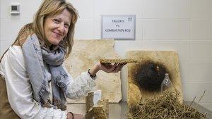 La investigadora Ana Blasco, descubridora de un nuevo material de construcción a partir de la paja del arroz.