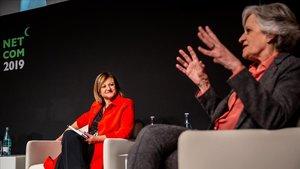 Cristina Gallach (izquierda) y Victoria Camps en el diálogo 'Los futuros de la ciudadanía', este jueves.