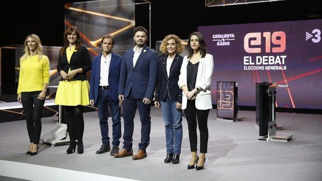Las candidatas y candidatos, antes de iniciar ayer el debate en TV-3.