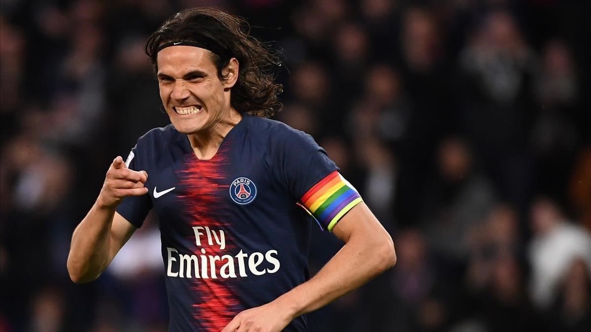 El uruguayo Edinson Cavani celebra un gol del Paris Saint-Germain (PSG) contra el Dijon, ayer.