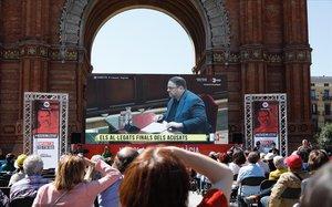 Omnium instala en Arc de Triomf una pantalla gigante para seguir la ultima sesion del juicio