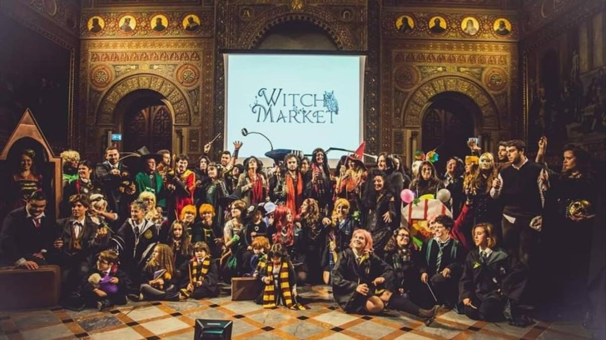 El Whitch Market se llena de seguidores de Harry Potter.