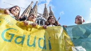 Acción de protesta frente a la Sagrada Família, este sábado.