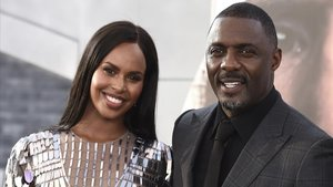 El actro británico Idris Elba y su mujer Sabrina.